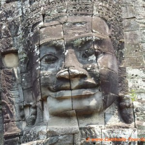Angkor-Thom-giant-face