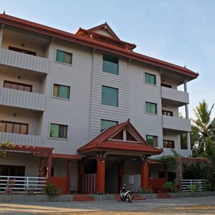 3 bdr Apartment near beach