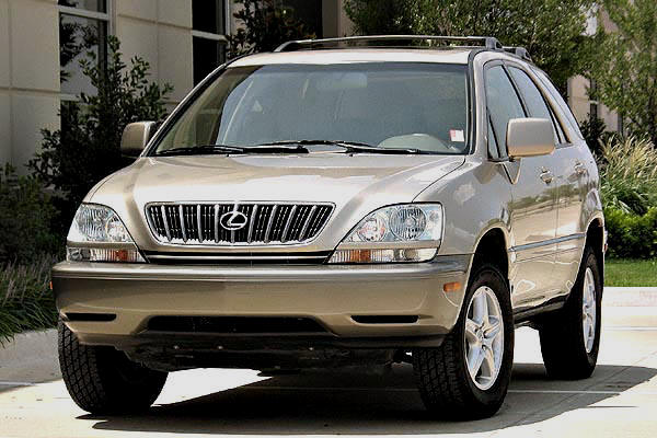 Lexus RX300 for rent in Sihanoukville